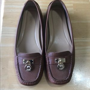 Michael Kors Size 6 Brown Loafer Like New